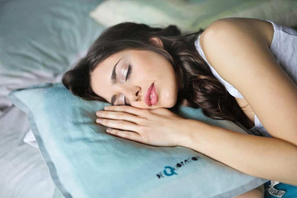 Jeûne intermittent bienfaits et sommeil