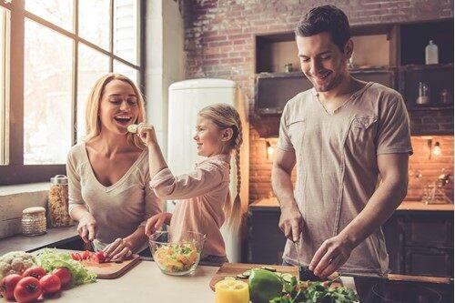 Apprendre à manger sain en famille