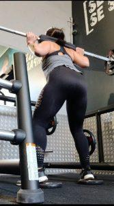 Les avantages du squat pour galber le bas du corps