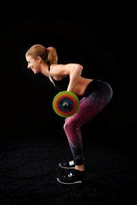 Le rowing barre permet de renforcer tous les muscles du haut du corps