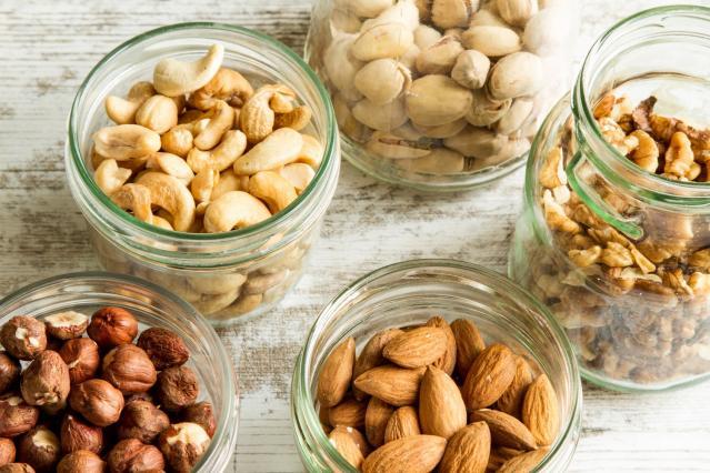 Choisir des collations saines et naturelles pour perdre du poids